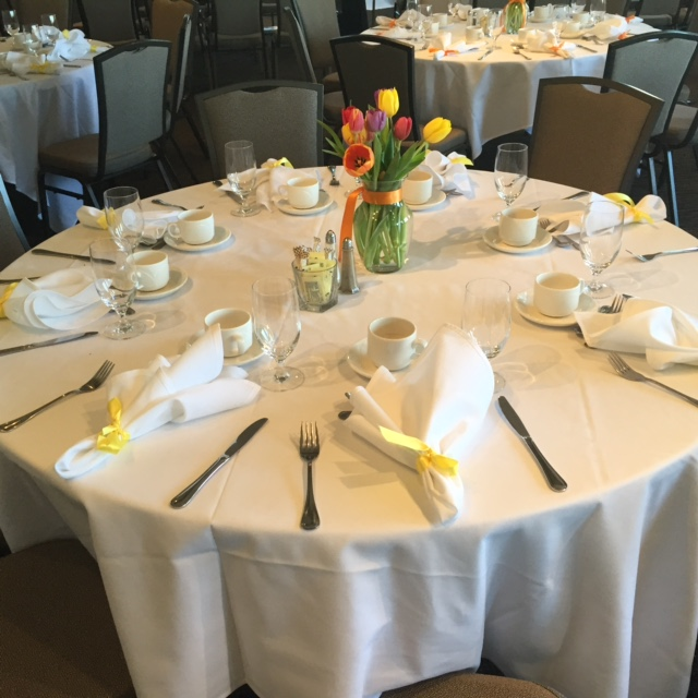 Round Table with Tulip Center Piece